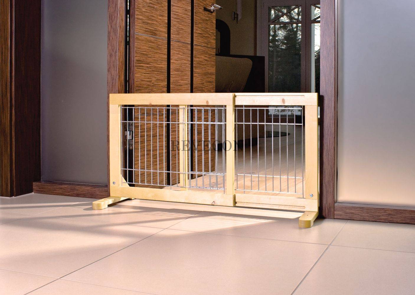 Как сделать барьер для собаки?